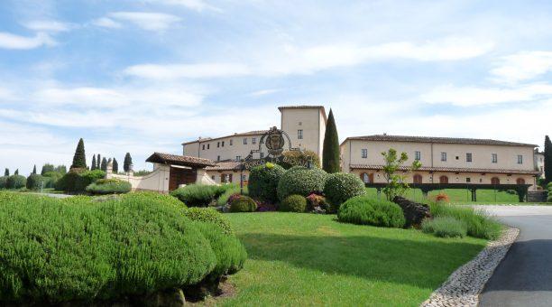 LA BAGNAIA GOLF & SPA RESORT SIENA, CURIO Collection by Hilton
